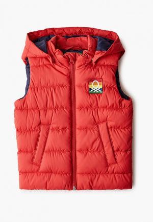 Жилет утепленный United Colors of Benetton. Цвет: красный
