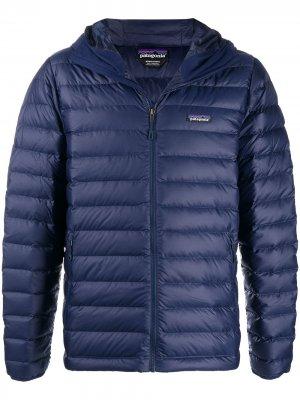 Куртка-пуховик Patagonia. Цвет: синий