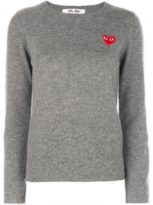 Пуловер с нашивкой в форме сердца Comme Des Garçons Play. Цвет: серый