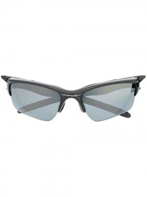 Солнцезащитные очки в массивной оправе Oakley. Цвет: черный