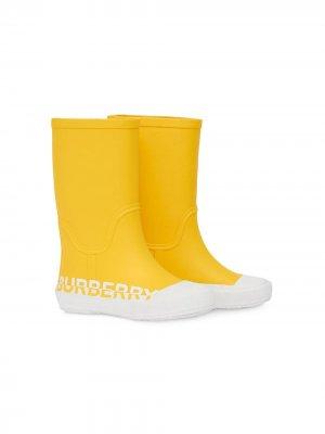 Резиновые сапоги с логотипом Burberry Kids. Цвет: желтый