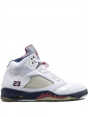 Кроссовки Air  5 Retro Jordan. Цвет: белый
