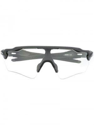 Солнцезащитные очки Radar EV Path Oakley. Цвет: черный