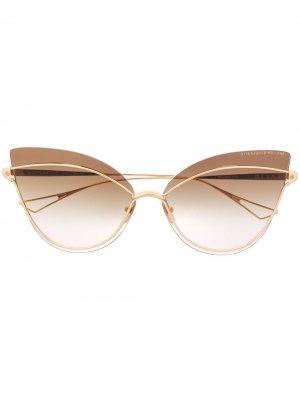 Солнцезащитные очки в массивной оправе кошачий глаз Dita Eyewear. Цвет: золотистый