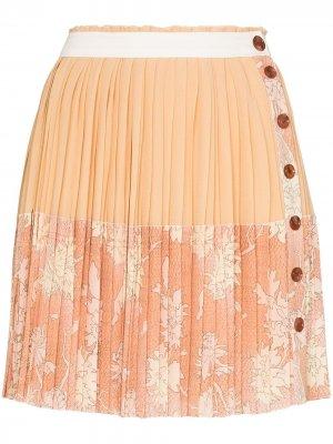 Юбка мини с плиссировкой и цветочным принтом Chloé. Цвет: розовый