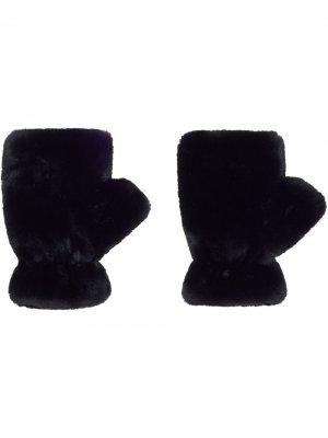 Митенки Ariel из искусственного меха Apparis. Цвет: черный