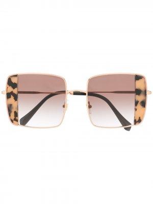 Солнцезащитные очки в квадратной оправе Miu Eyewear. Цвет: розовый